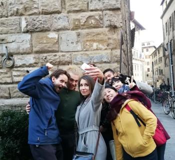 Elf in the school: l'elfo Vilhem e una caccia al tesoro per Firenze con i suoi amici