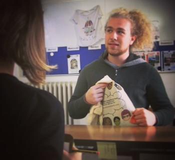 L'elfo Vilhem è arrivato alla Scuola! Aiutalo a scegliere il corso di italiano...